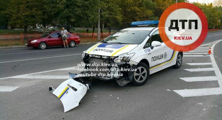 В Киеве полицейские попали в аварию (фото)