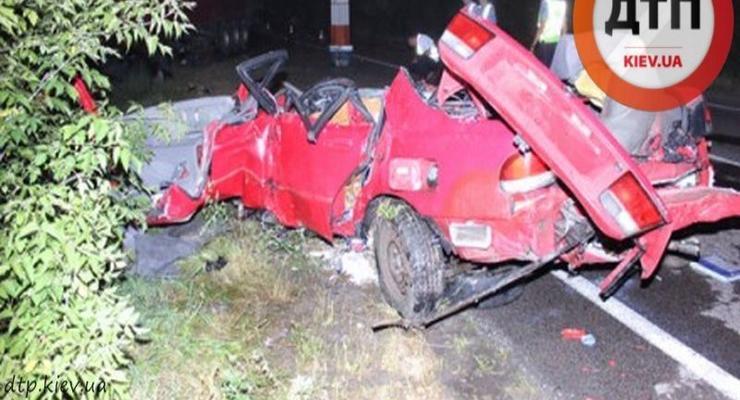 В аварии на трассе Киев-Ковель погибла семья (видео)