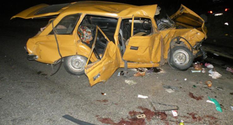 В Николаевской области в столкновении двух авто пострадали девять человек