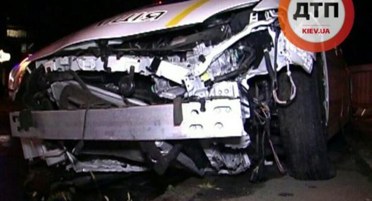 Двойное ДТП: по дороге на вызов в Киеве и Львове разбились полицейские