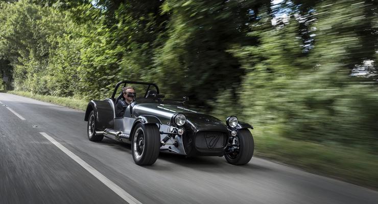 Компания Caterham разработала спорткар массой менее полутонны (фото)