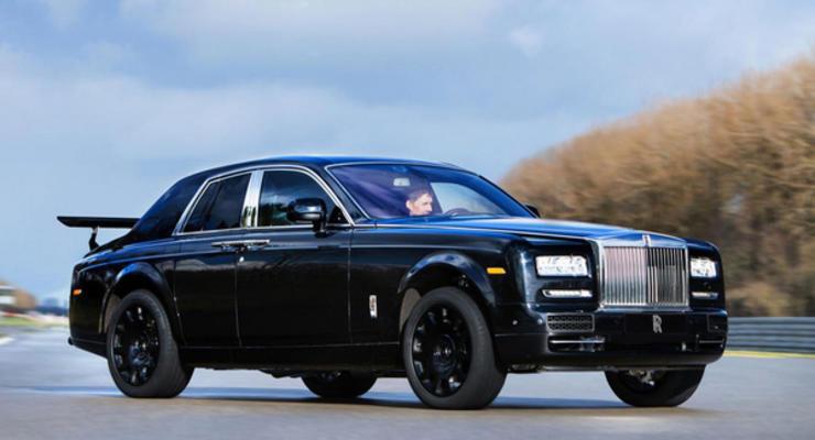Rolls-Royce анонсировал выход своего кроссовера в 2018 году