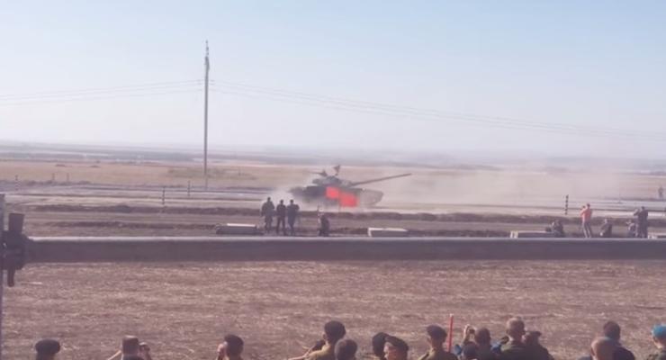 Боевики устроили на Донбассе соревнования танков, погиб ребенок
