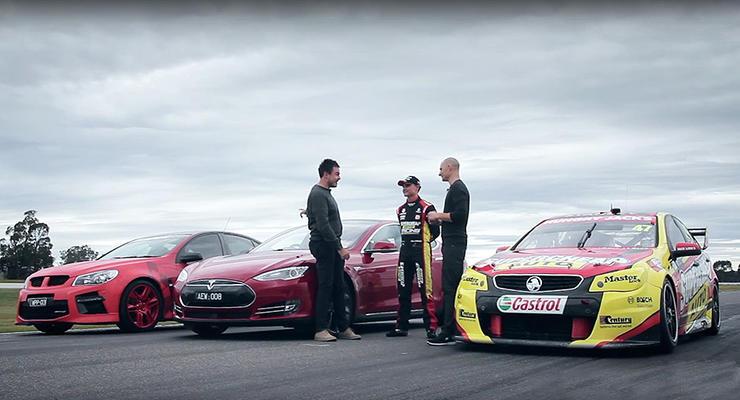 В Австралии устроили дрэг-гонку Tesla и гоночного Holden (видео)