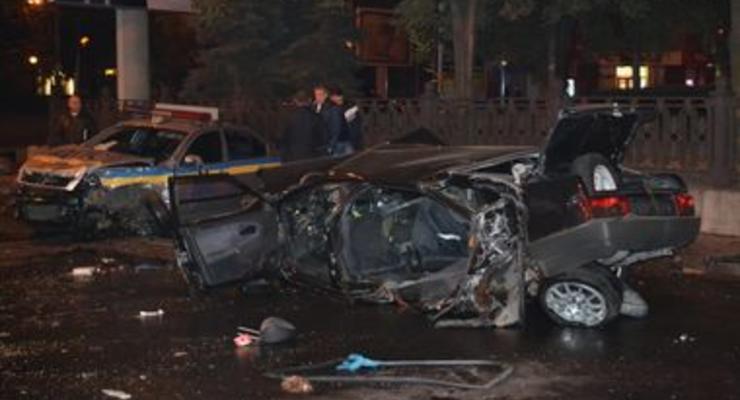 В Днепропетровске ВАЗ таранил патрульную машину