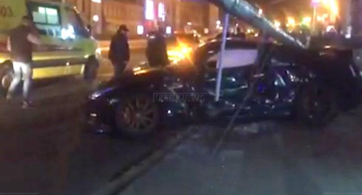 В Москве Nissan GTR попал в аварию на скорости 200 км/ч
