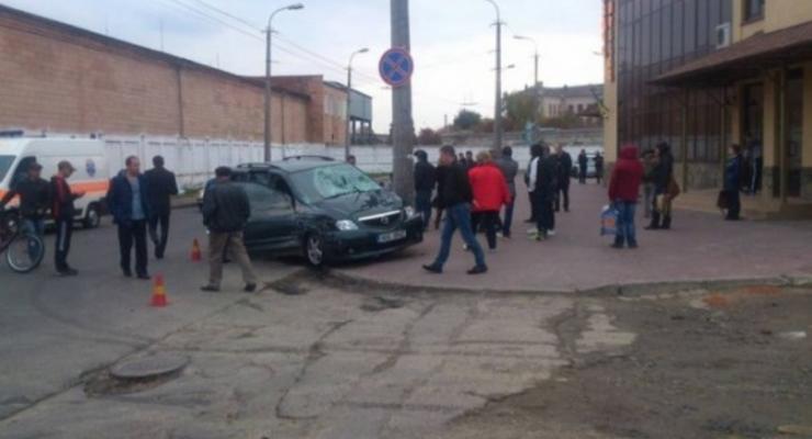 В Луцке пьяный водитель задавил двух женщин (видео 18+)