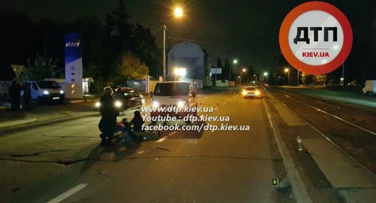 В Киеве Daewoo и Renault насмерть сбили молодого пешехода-нарушителя (фото)
