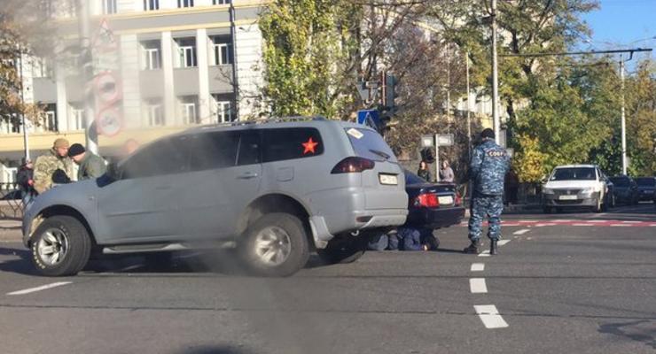Боевики ДНР в центре Донецка протаранили авто и избили водителя