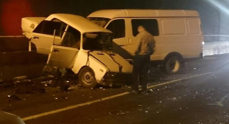 На трассе Севастополь - Ялта машины столкнулись лоб в лоб в туннеле (видео)