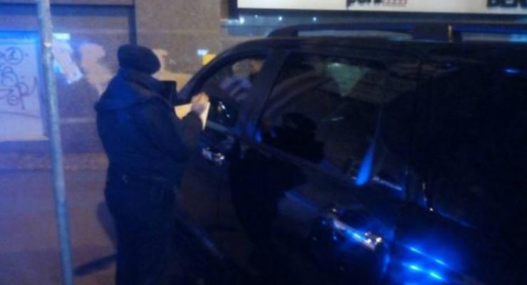 В Киеве полиция составила протокол на водителя машины Кличко (видео)