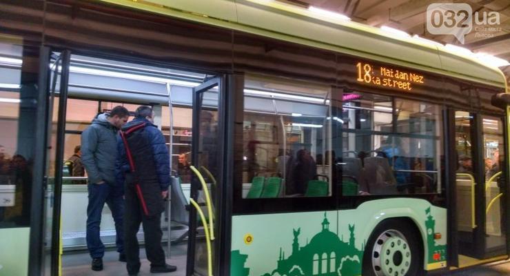 Во Львове презентовали первый в Украине электробус отечественного производства