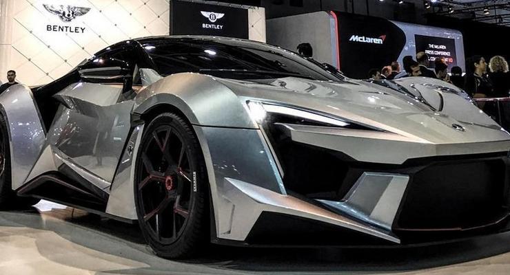 Арабская компания представила 900-сильный суперкар (фото)