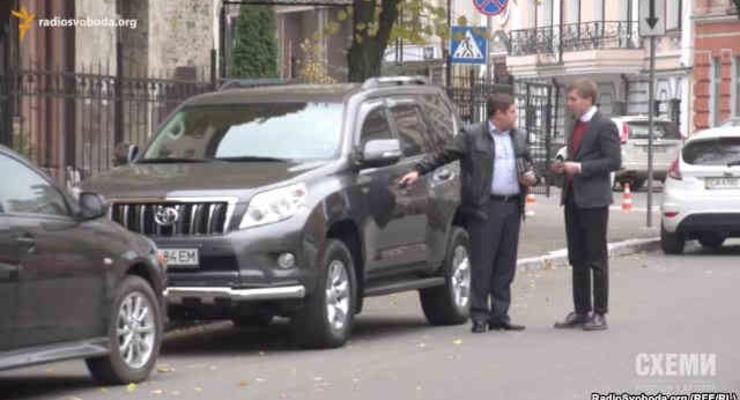 Журналисты показали автопарк прокуроров Украины (видео)