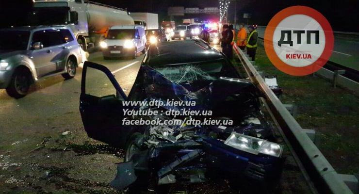 Под Киевом столкнулись четыре авто, пострадали шестеро (фото)