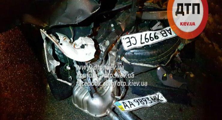 В Киеве BMW уничтожил Skoda и ВАЗ (фото)