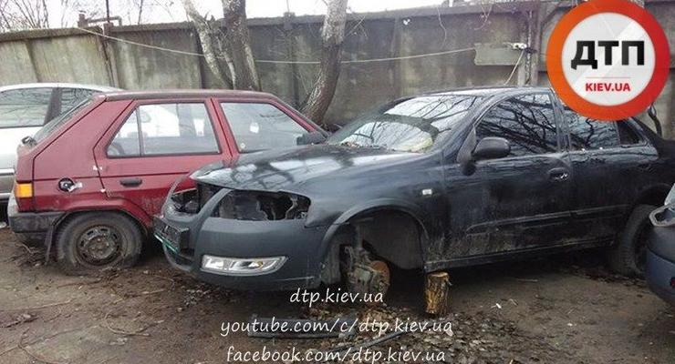 Под Киевом со штрафплощадки исчезли дорогие авто, вместе с директором и охраной
