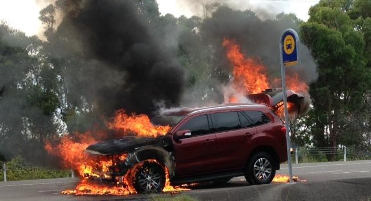 Внедорожник Ford вспыхнул во время тест-драйва (видео)