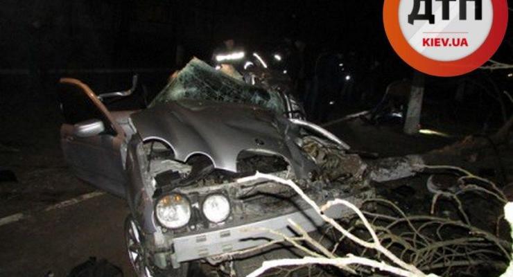 На Херсонщине разбился Jaguar S-Type, есть жертвы