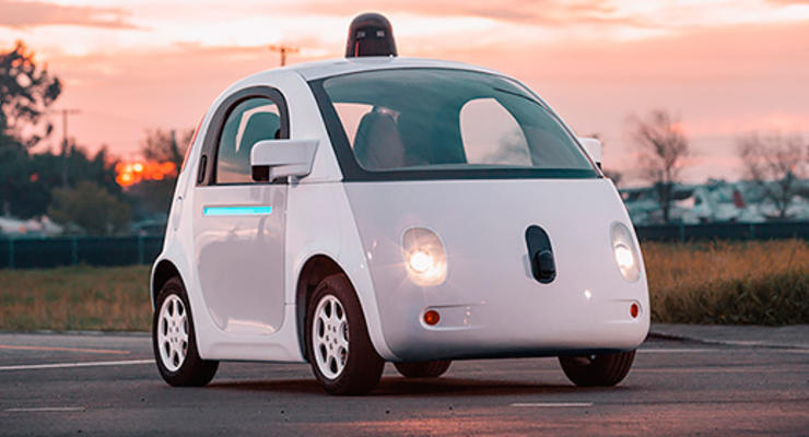 В Калифорнии компании Google пытаются запретить автомобиль без руля