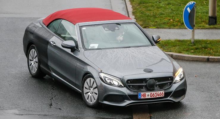 Кабриолет Mercedes-Benz C-Class Coupe заметили без камуфляжа (фото)
