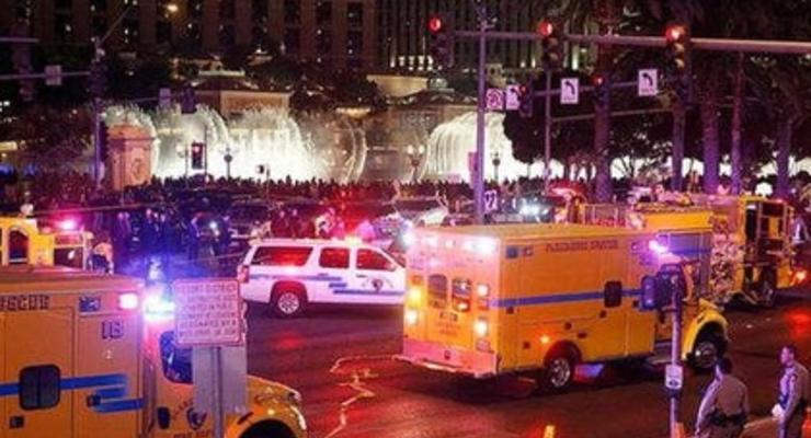На шоу в Лас-Вегасе автомобиль врезался в толпу зрителей (видео)