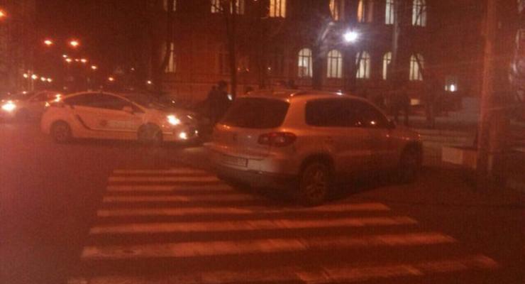 Машину нардепа Игоря Луценко эвакуировала полиция