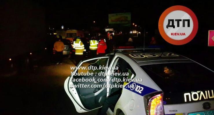В Киеве в аварию попали пять автомобилей (фото)