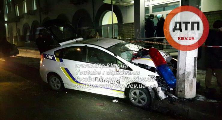 В Киеве грабители таранили полицейский Prius (фото)