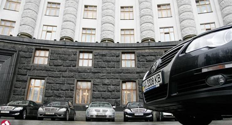 Дипломатам могут разрешить ввозить автомобили без уплаты налогов