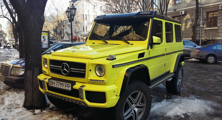 В Одессе заметили необычный внедорожник с шильдиком Mercedes