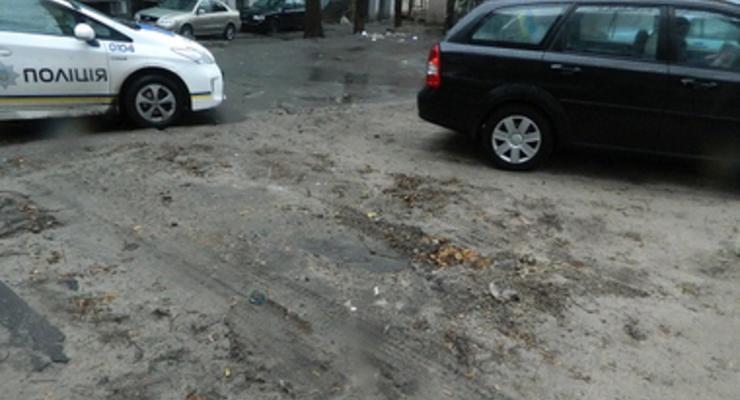 В Киеве поймали банду, угонявшую авто на эвакуаторе