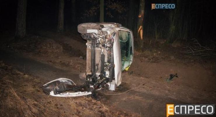 В Киеве перевернулся автомобиль с нетрезвой женщиной за рулем