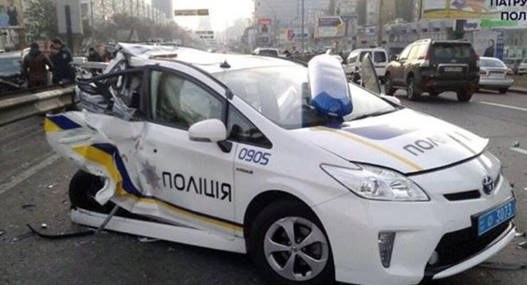 Киевские полицейские разбивают в среднем по десять своих авто в месяц