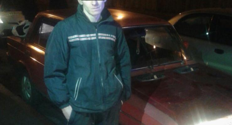 В Киеве пьяный водитель сбил полицейского и протащил на капоте