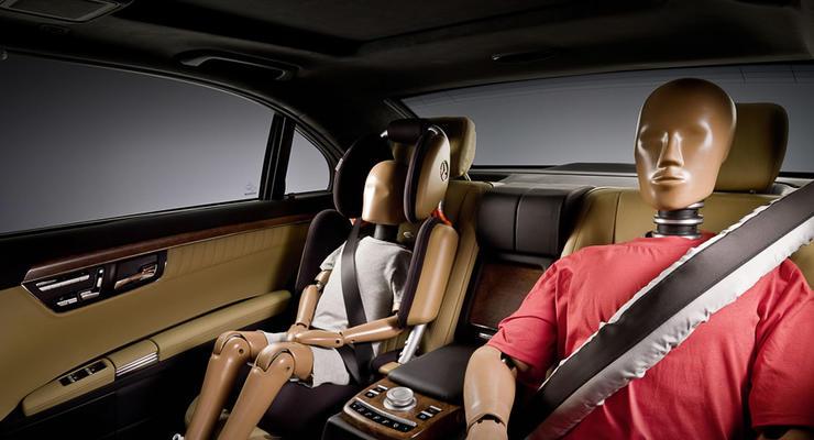 Эксперты назвали самое безопасное место для ребенка в автомобиле