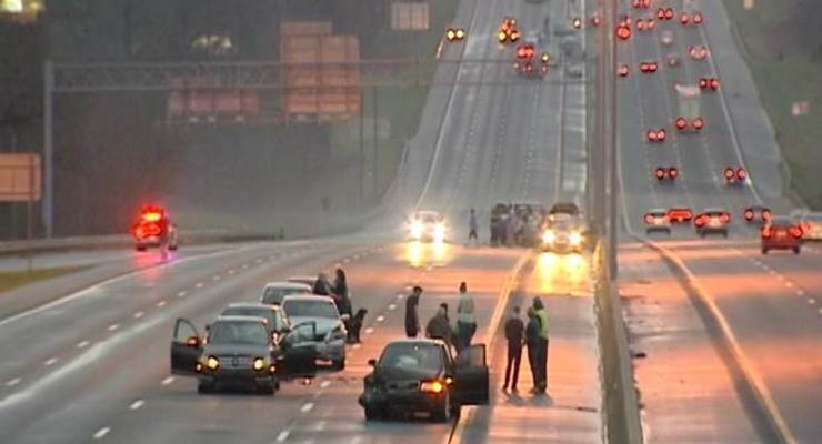 В Северной Каролине столкнулись более 100 машин