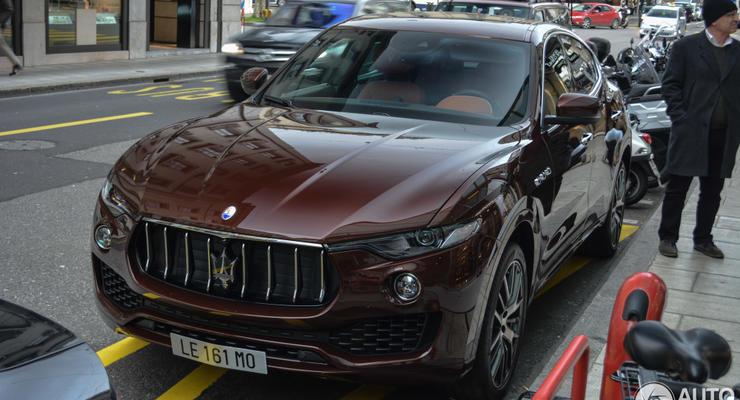 Новейший кроссовер Maserati Levante заметили на швейцарских дорогах