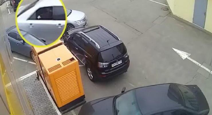 Будьте внимательны: в Украине зафиксирован новый способ краж из машин