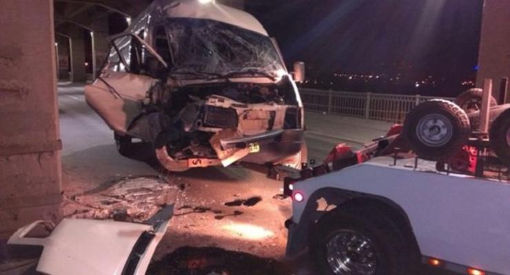 В Запорожье маршрутка с пассажирами попала в ДТП, есть пострадавшие