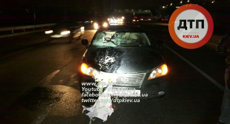 В Киеве Lexus насмерть сбил мужчину