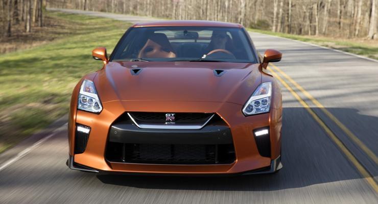В США представили обновленный Nissan GT-R