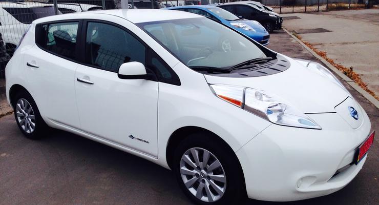 Nissan не будет продавать электромобили в Украине до 2017 года