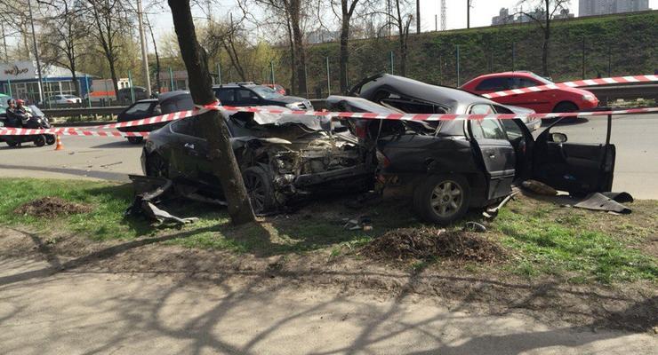 В Киеве столкнулись Honda и Opel, есть погибший