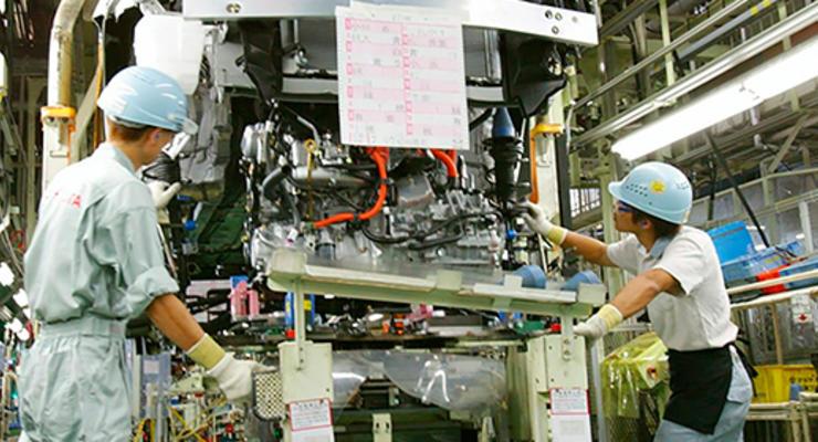 Японские автозаводы приостановили работу