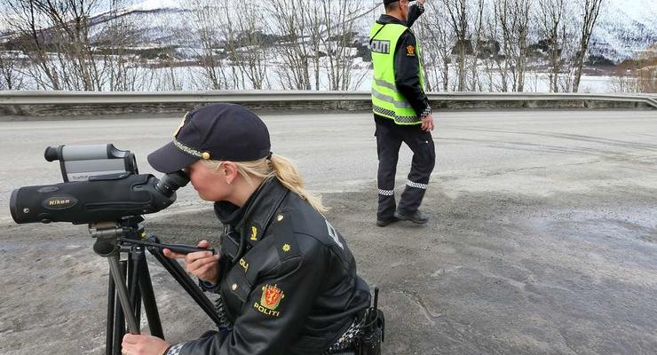 В Норвегии парня лишили прав через час после получения