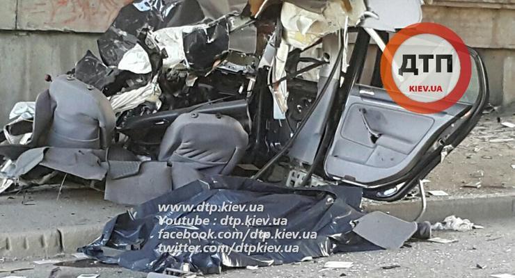 В Киеве в аварии Volkswagen погиб автогонщик Тарас Колесник
