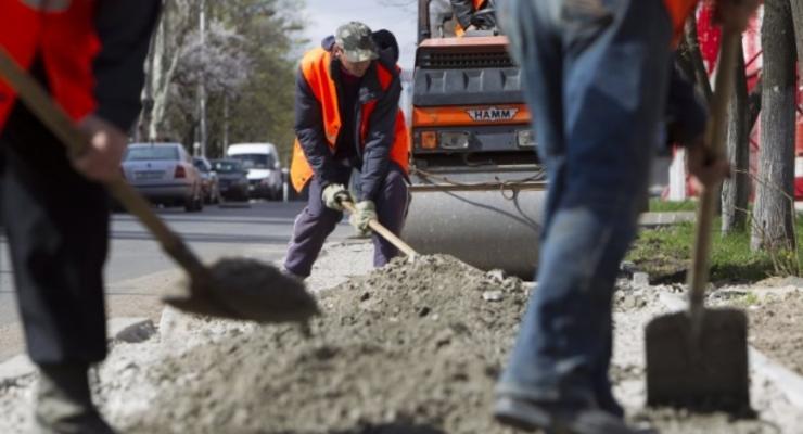 Премьер-министр проинспектировал ремонт трассы на Киевщине