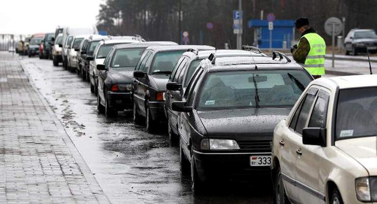 На границе Украины с Польшей образовалась гигантская пробка