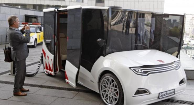В Киеве показали украинский электромобиль Synchronous